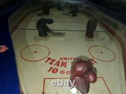 1950s Team Hockey coin operated arcade non video Game machine wood rail pinball