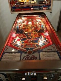 1977 Bally Bobby Orr Power Play pinball machine MINT Bruins Blackhawks Solid
