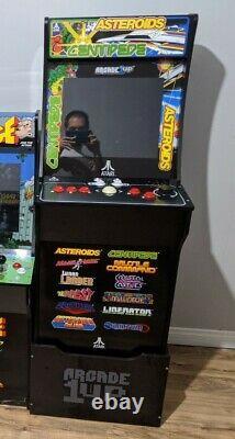 Arcade1Up Atari 12 in 1 Deluxe Edition Centipede Asteroids Arcade Machine Riser