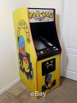 Arcade Machine, - Original Coin Operated, -Amusement, - Bally Midway, -, Pacman