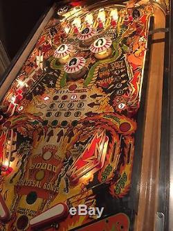 Arcade Vintage KISS Pinball Machine perfect running Original With Game Stool