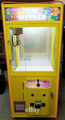 BIG WINNER Crane Claw Stuffed Animal Prize Arcade Machine! Coins or Free Play