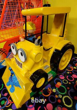 BOB THE BUILDER Tractor Mechanical Kiddie Ride Arcade Game Machine! WORKS
