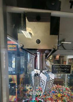 Bean Pets Candy or Ducks Claw Crane Prize Redemption Arcade Machine WORKING