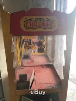 Claw machine crane game The Challenger