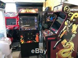Defender Arcade Video Game Machine with LCD Monitor, lots of new parts, sharp