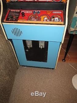 Donkey Kong video arcade game machine in OHIO