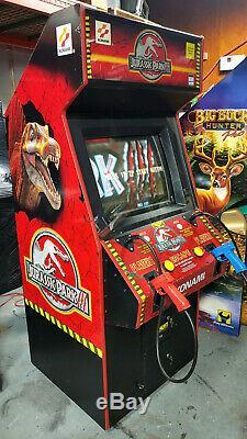 JURASSIC PARK 3 Shooting Arcade Video Game Machine! Shoot the Dinosaurs