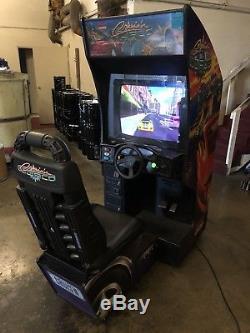 Midway Cruisn World Arcade Sit-down Driving Video Game Machine