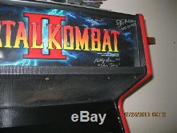 Mortal Kombat II Original Midway Arcade Machine Working Good