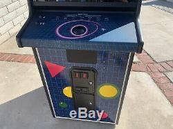 Original Atari Quantum Vector XY arcade Machine