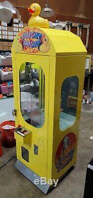Plucky Duck Crane Candy Claw Arcade Machine Plush Capsule Vending Stuffed Animal