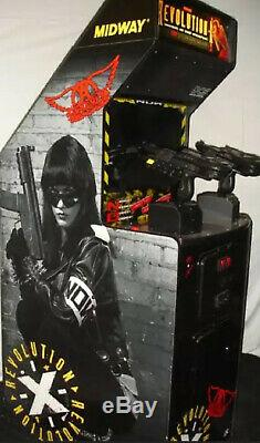 REVOLUTION X ARCADE Shooting MACHINE 2 PLAYER (Excellent Condition)