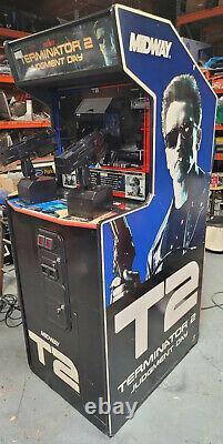 TERMINATOR 2 Judgement Day 2 Player Shooting Arcade Video Game Machine! T2