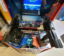 TERMINATOR 2 Judgement Day 2 Player Shooting Arcade Video Game Machine! T2#1