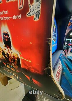 THE HOUSE OF THE DEAD Shooting Arcade Video Game Machine! Shoot the Walkers