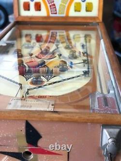 Vintage 1938 Odd Ball Upright Pinball Arcade Machine -Daval Mfg. Co. Chicago