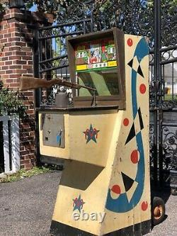 Vintage 1950s Rifle Champ coin operated 10 cent arcade Midway machine Game