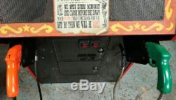 Carnevil Tir Arcade Video Game Machine! Tirez Sur Les Clowns! Fonctionne Très Bien