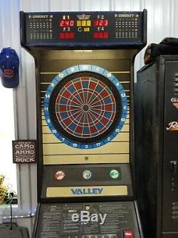 Cougar Valley Dart Board Machine (honnête Ernie)