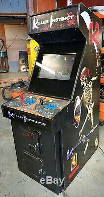 Instinct De Tueur Full Size Fighting Arcade Video Game Machine - 22 Moniteur LCD