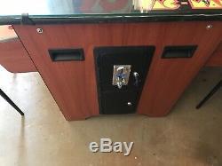 Mme Pacman Arcade Classics Cocktail Table Arcade Machine / Jeux 40 +