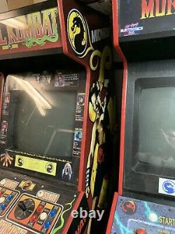 Mortal Kombat 1 Machine D'arcade. Original Pleine Grandeur