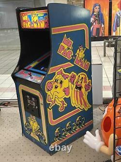Nouvelle Machine D'arcade De Mme Pacman. Toutes Les Pièces Originales Sont Superbes