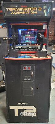 Terminator 2 Judgment Day 2 Player Shooting Arcade Video Game Machine! T2 (t2)