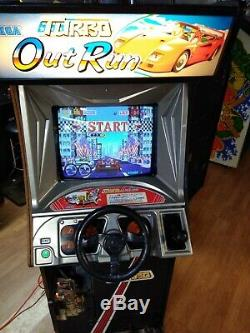 Turbo Outrun Arcade Game Machine Works Prend Beaucoup De Temps