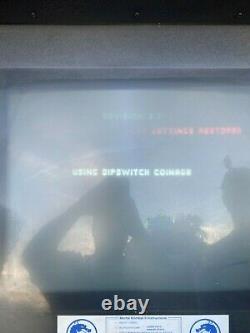 Vintage Mortal Kombat 2 II Arcade Machine Mi-1993