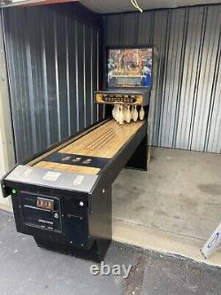 Williams Shuffle Alley Puck Bowling Machine